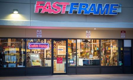 Exterior-Store